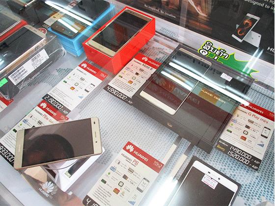スマートフォンも多彩な機種が手に入る