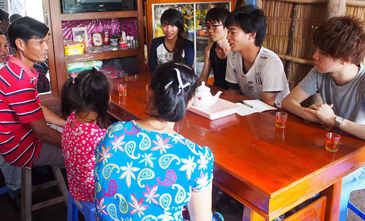 タップガイC小学校へ通う生徒宅を訪問