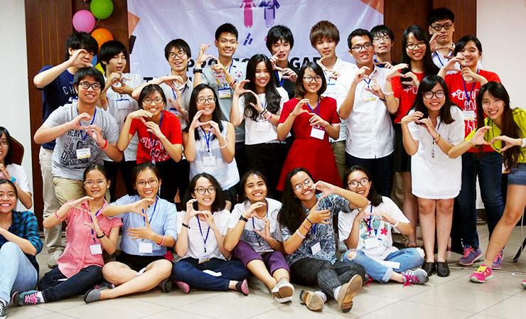 東大生と「SUGAR」の学生たち。同世代の若者たちは、すぐに打ち解けた。