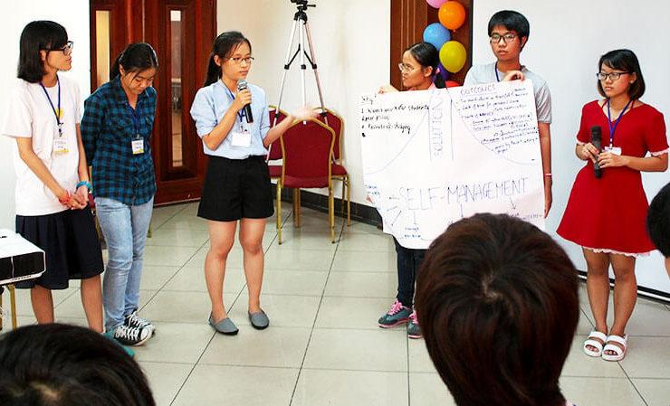「SUGAR」学生のプレゼンテーション